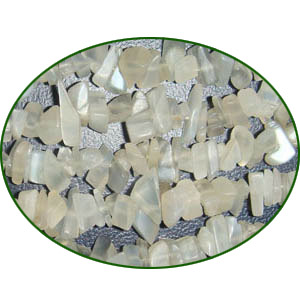 Fine Quality Moonstone Plain Uncut Chips, size: 3mm to 6mm